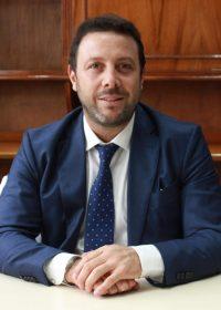 Dr. Carbó Lisandro